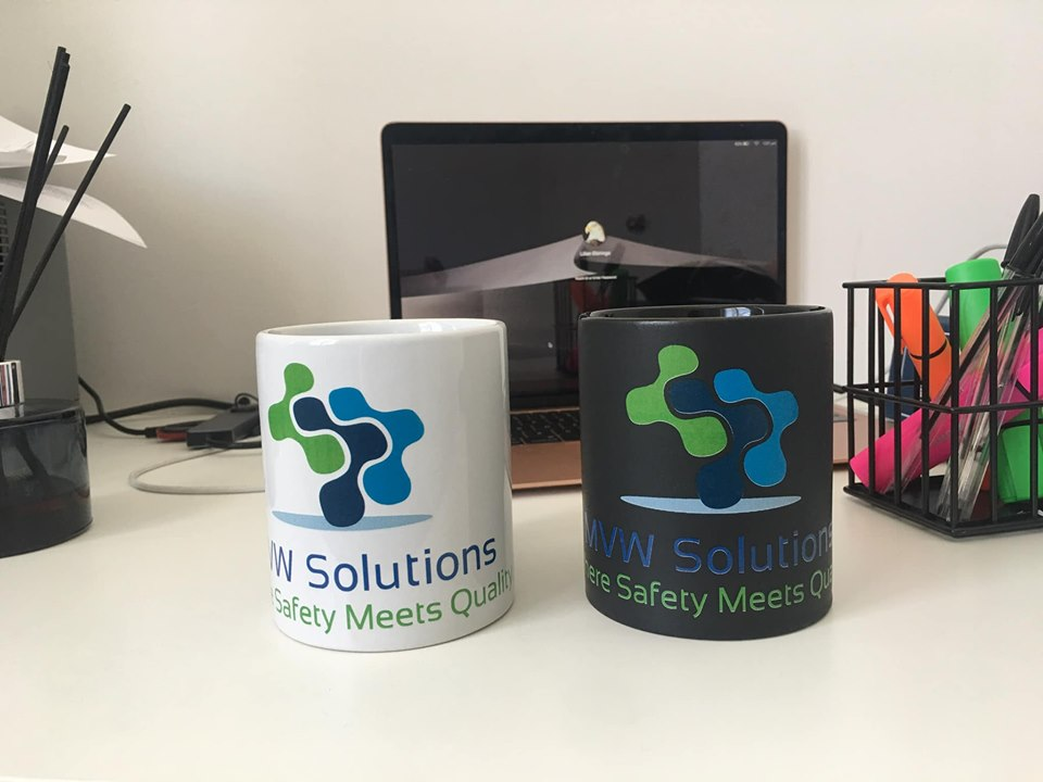 CUSTOM MUGS Image